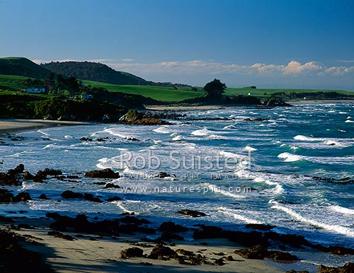 Tirohanga beach, Nugget Point, Catlins, Clutha District, Otago Region, New Zealand (NZ) stock photo.