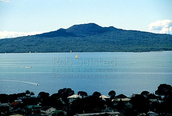 Rangitoto Island beyond Devonport with yachts on the Hauraki Gulf, Hauraki Gulf, Auckland City District, Auckland Region, New Zealand (NZ) stock photo.