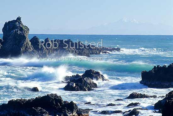 South Island Kaikoura Mountain Ranges across Cook Strait from Wellington South Coast, Wellington, Wellington City District, Wellington Region, New Zealand (NZ) stock photo.
