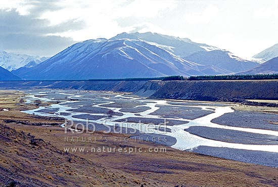The braided Ahuriri River. Ahuriri Valley, Omarama, MacKenzie District, Canterbury Region, New Zealand (NZ) stock photo.