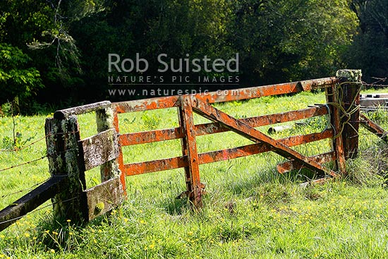 Old Fence Free Stock Photo - Public Domain Pictures