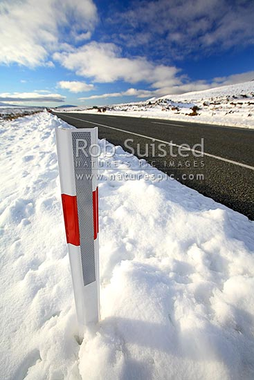 Winter snows on the Desert Road (State Highway One SH1), Waiouru, Ruapehu District, Manawatu-Wanganui Region, New Zealand (NZ) stock photo.