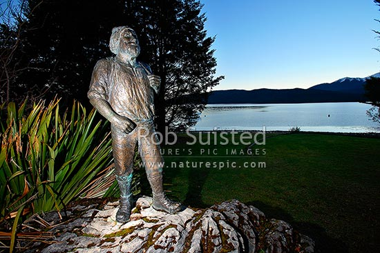Statue of Quintin McPherson McKinnon (1851-1892) at Te Anau, discoverer of the Milford Track and route to Milford Sound, explorer, Te Anau, Southland District, Southland Region, New Zealand (NZ) stock photo.