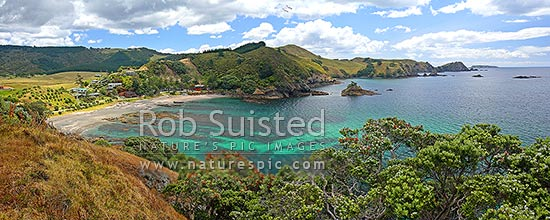Putataua Bay and beach next to Matauri Bay, Matauri Bay, Far North District, Northland Region, New Zealand (NZ) stock photo.