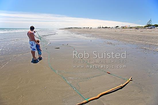 Summer drag net fishing for kahawai on te horo beach te for Drag net fishing