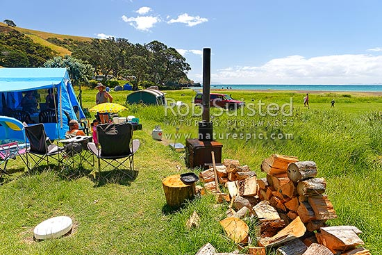 Fletcher Bay campsite with very well prepared family ...