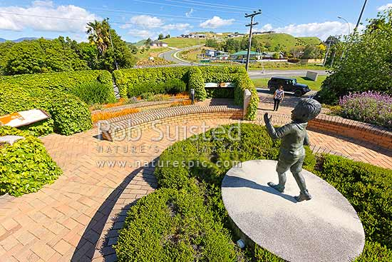 Lord Rutherford Memorial commemorating the birthplace of famous physicist, Lord Ernest Rutherford, who was born nearby, Brightwater, New Zealand (NZ) stock photo.